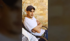 تمديد اعتقال الشاب محمود خضيرات بسبب منشوراته عن صديقه نزار بنات