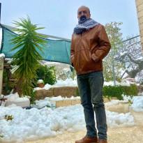 #شاهد: مواطن من الخليل يعرض أملاكه للبيع و يقرر الرحيل من المدينة بعد استباحة املاكه وحرقها تحت أنظار الاجهزة الأمنية .